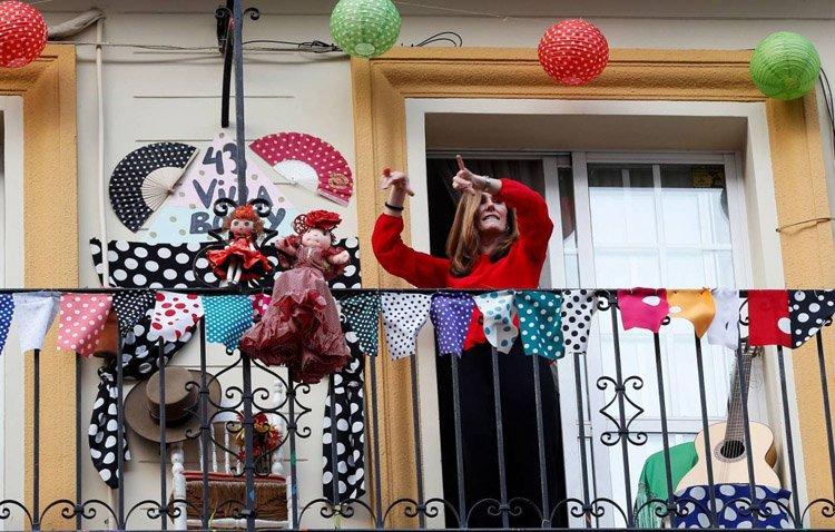 El Ayuntamiento organiza un concurso de fachadas y balcones en honor a la patrona de Utrera