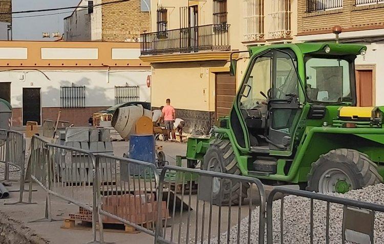 Avanzan a buen ritmo las obras de regeneración de la calle Torre del Valle