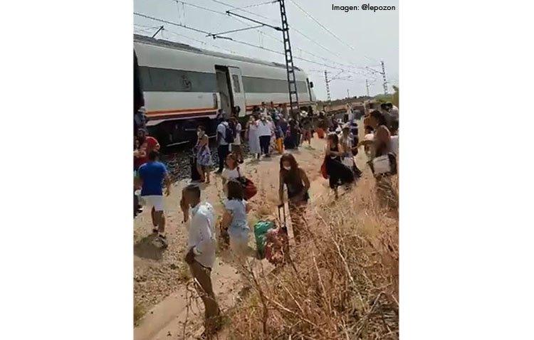 Un incendio en un tren entre Utrera y Dos Hermanas obliga a desalojar a los pasajeros en mitad del campo