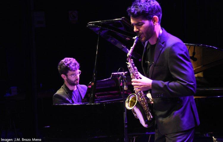 Un dúo musical utrerano en el ciclo 'Noches en los Jardines del Real Alcázar de Sevilla'