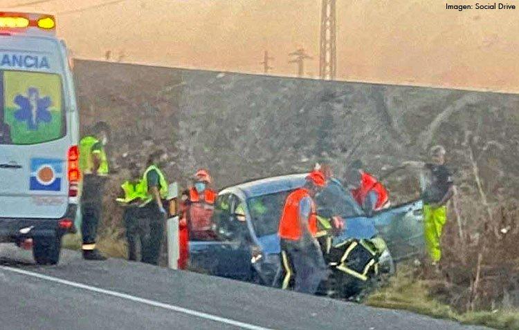 Herida una persona tras salirse su coche de la carretera en Utrera