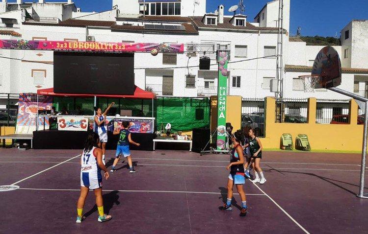 El Club Baloncesto Utrera participa en el exitoso torneo nacional 3×3