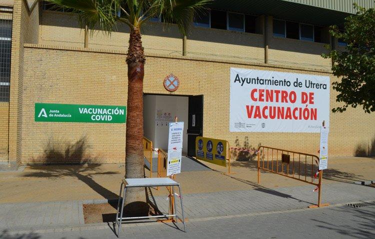 Una nueva victoria frente a la pandemia: Utrera cierra su centro de vacunación masiva ante el elevado índice de vacunados