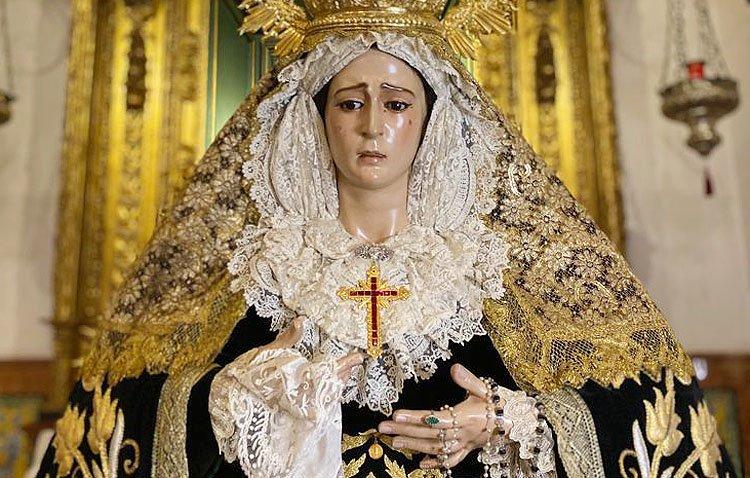 Domingo de procesión extraordinaria en Los Molares con la Virgen de los Dolores