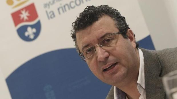 José María Villalobos muestra su apoyo a la candidatura de Javier Fernández para liderar el PSOE de Sevilla