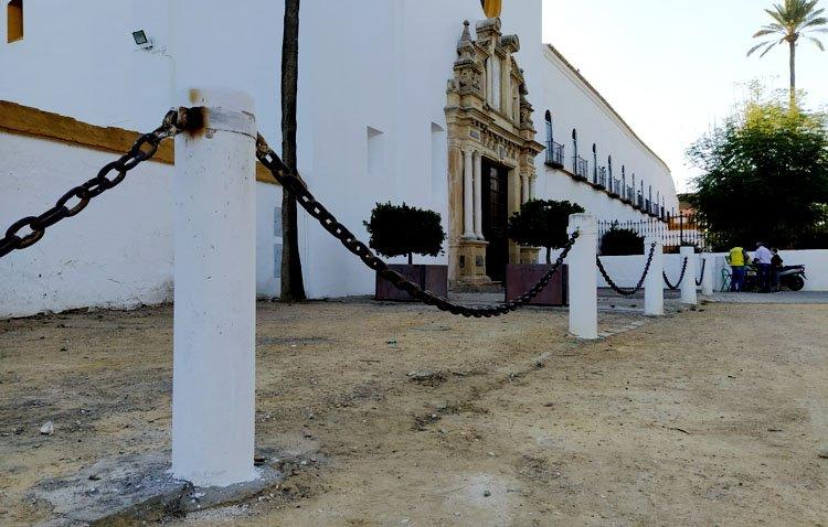 El santuario de Consolación recobra su estampa habitual tras recuperar la columna que fue destrozada hace 10 meses